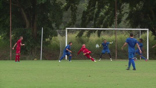 De volta, Rafael Oliveira quase marca golaço em jogo-treino do Náutico