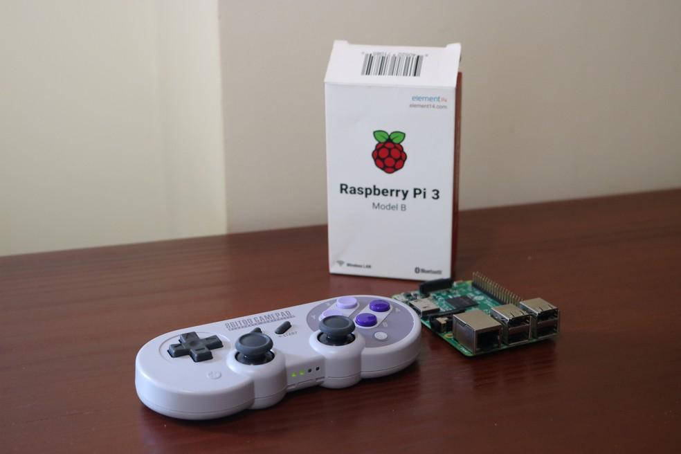 Raspberry Pi 3 é muito usado para emulação de videogames antigos — Foto: Filipe Garrett/TechTudo