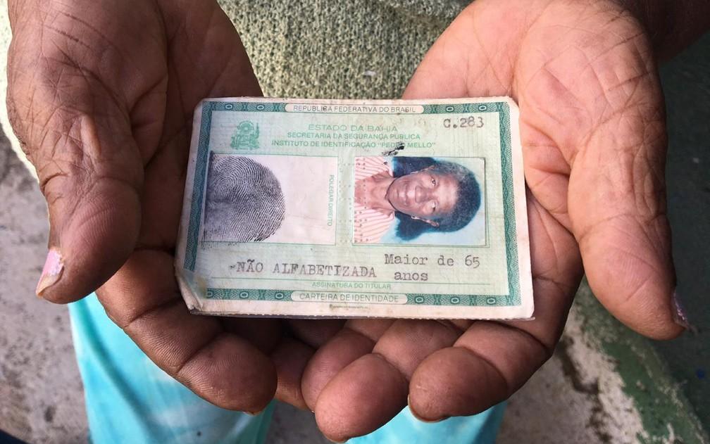 Registrada em 1930, ela conta que tirou os documentos já adulta para se casar — Foto: Gabriela Gonçalves/G1