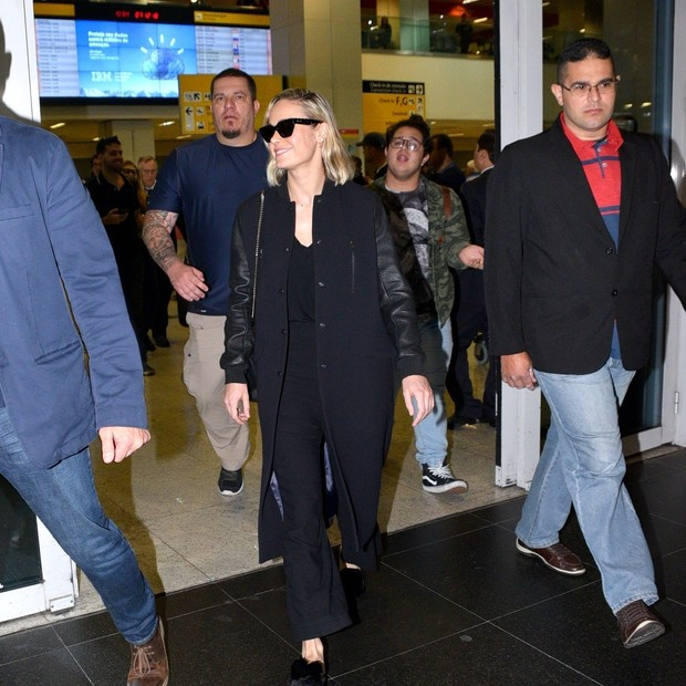 AGN_1427644 - Sao Paulo, BRASIL  - Brie Larson Desembarca no Aeroporto de guarulhos em Sao Paulo.Pictured: Brie LarsonAgNews 7 DEZEMBRO 2018 BYLINE MUST READ: Leo Franco / AgNews Xico Silvatelefone: (21) 98240-2501email: agnews.fotog (Foto: Leo Franco / AgNews)