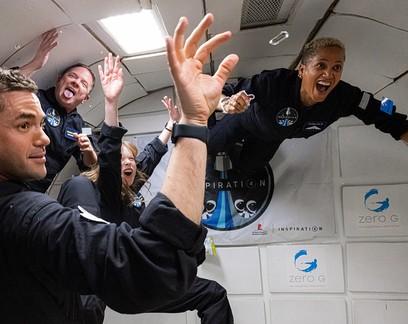 Marketing espacial: itens levados ao espaço com SpaceX serão colocados à venda