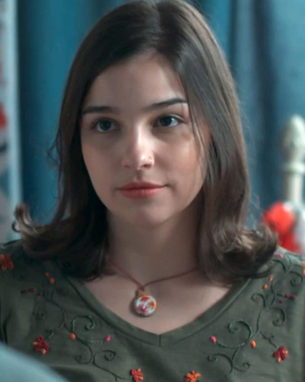Keyla (Gabriela Medvedovski) é fofa com Tato (Matheus Abreu) em 'Malhação - Viva a Diferença' — Foto: Globo