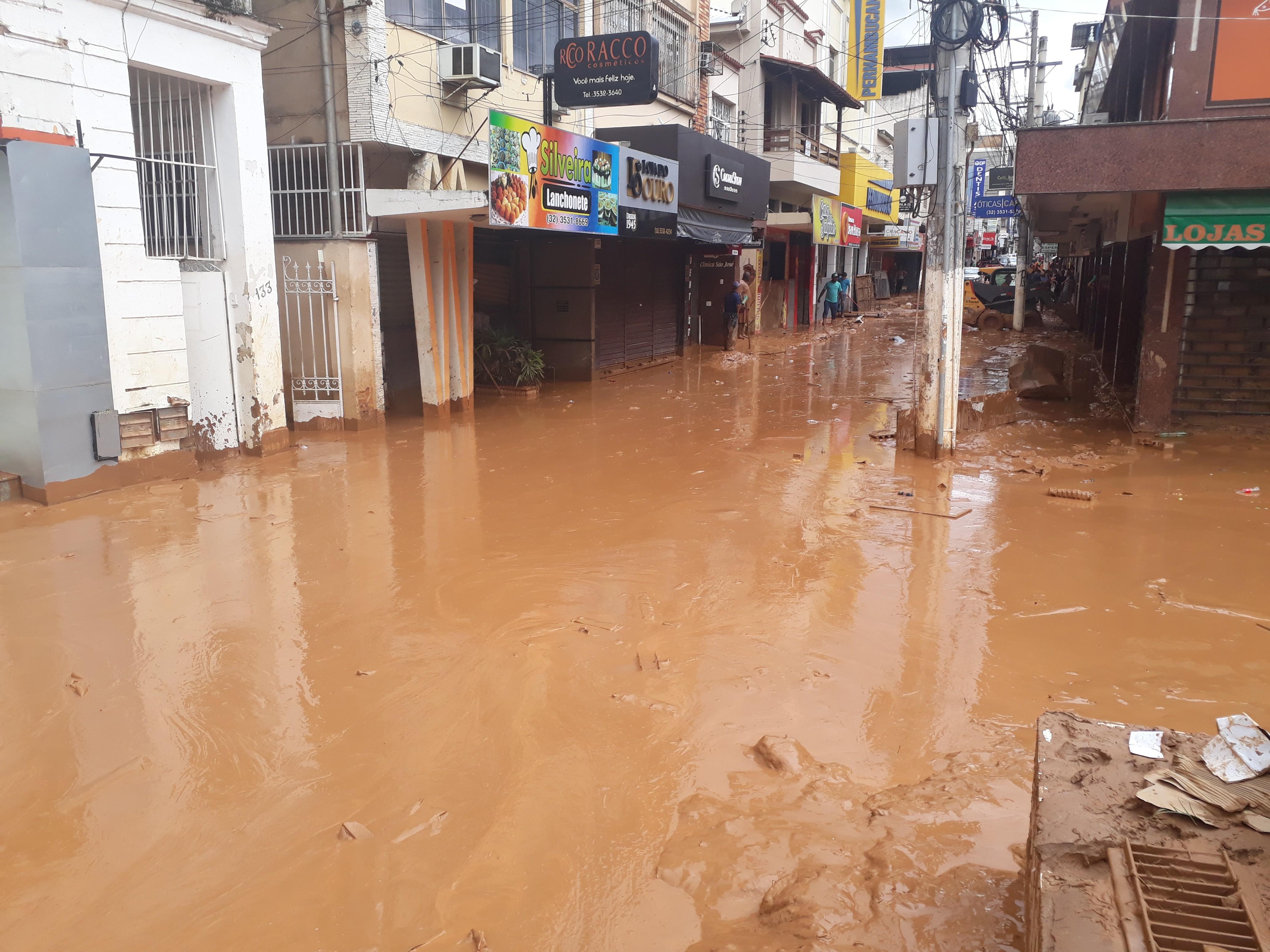 Prefeitura de Ubá decreta situação de emergência após enchente histórica
