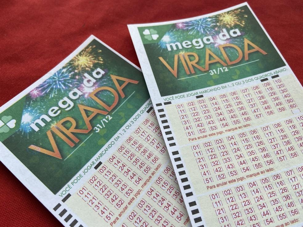 Mega da Virada pode pagar um prêmio de R$ 300 milhões para quem acertar as seis dezenas. — Foto: Patrick Marques/G1 AM
