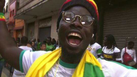 Festeira, torcida de Senegal dá show de simpatia e alegria no centro de São Paulo