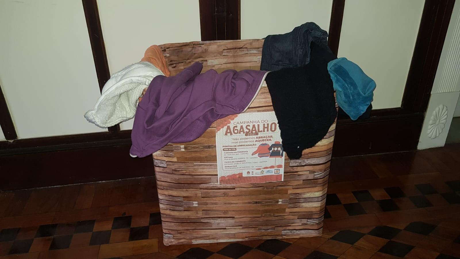 Chegada da frente fria: veja onde fazer doações para ajudar pessoas em situação de rua em Petrópolis, no RJ