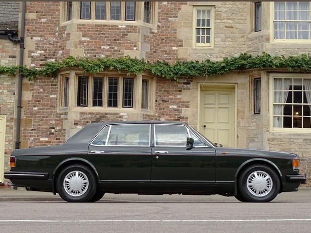 Carro que pertenceu ao príncipe Charles vai a leilão (Foto: Divulgação / H & H Auctions)