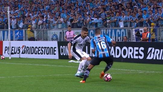 Barrios decide com primeiro gol de cabeça no Grêmio e revive Jardel nos anos 90