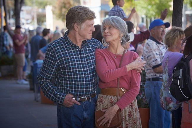Robert Redford e Jane Fonda em Our souls at vight, direção Ritesh Batra, produção e distribuição Netflix (Foto: Kerry Brown / Netflix)