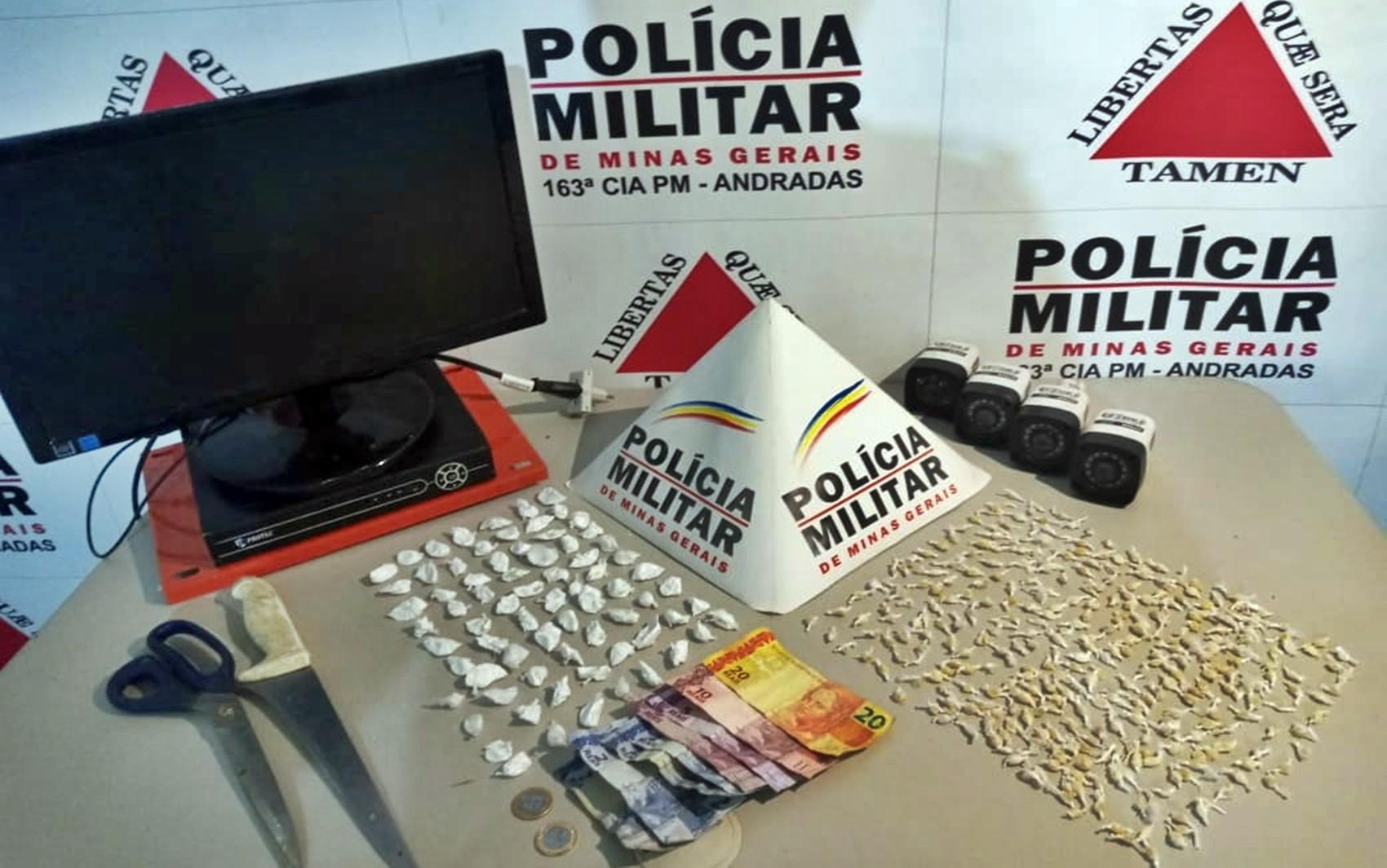 Jovem de 21 anos é preso por tráfico de drogas em Andradas, MG