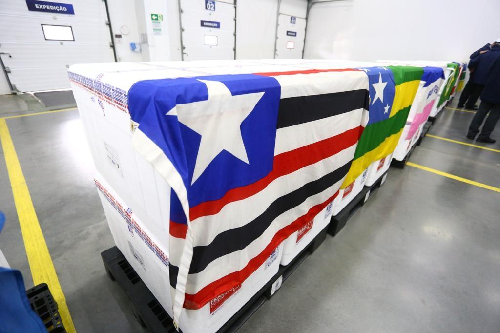 Covid-19: Secretário da Saúde recebe oficialmente o 1º lote de vacinas destinadas ao Maranhão
