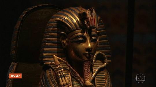 Exposição em Paris revela objetos inéditos encontrados no túmulo de Tutancâmon
