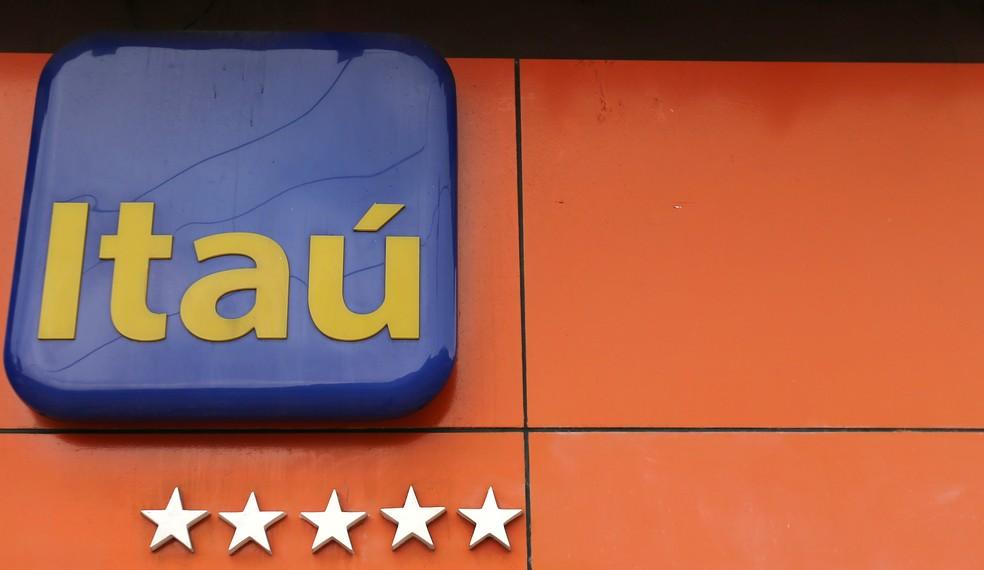 Fachada de agência do banco Itaú no Rio de Janeiro (Foto: Sergio Moraes/Reuters)