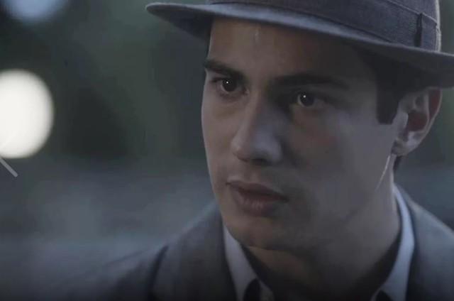 Carlos (Danilo Mesquita) (Foto: Reprodução/TV Globo)