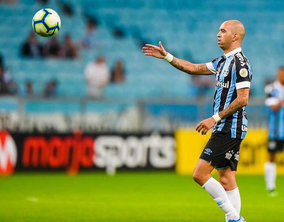Diego Tardelli, em ação contra o Palmeiras — Foto: Vinícius Costa/BP Filmes