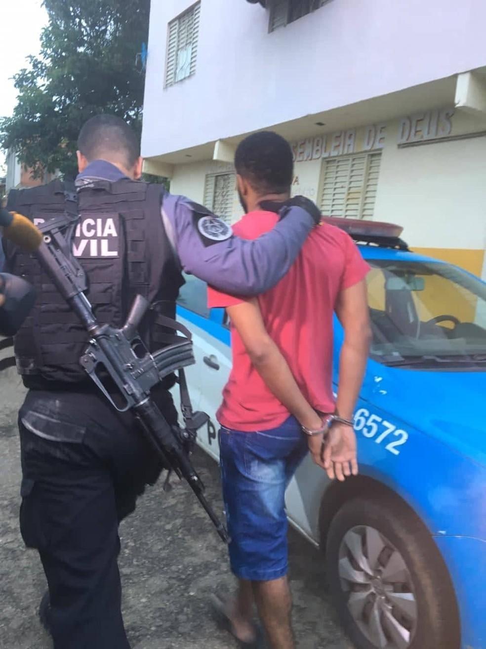 Operação cumpre mandados de prisão contra o tráfico em Itaperuna — Foto: Éder Souza/Inter TV