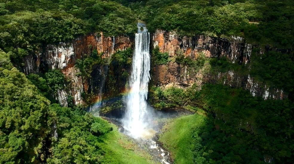 O Salto São Francisco é a queda mais alta do sul do Brasil — Foto: Paraná Turismo/Divulgação
