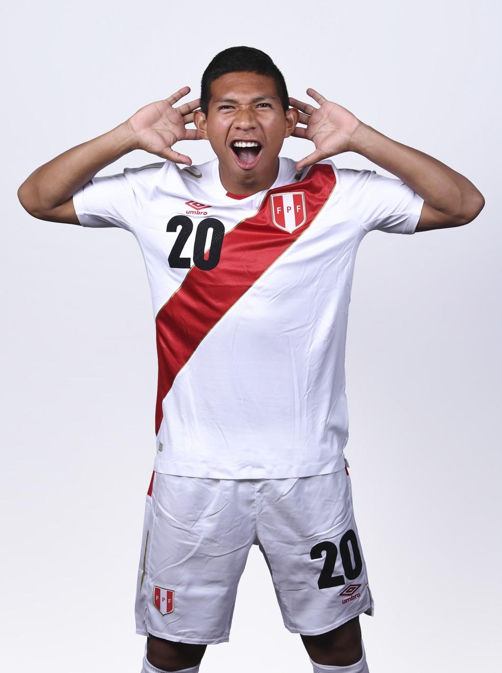 Edison Flores, da seleção peruana, é o cara da garrafa de isotônico de Felipão.  (Foto: Michael Regan - FIFA/FIFA via Getty Images)