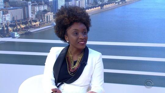 Fundadora do movimento Black Money palestra sobre microeconomia para mulheres em Porto Alegre