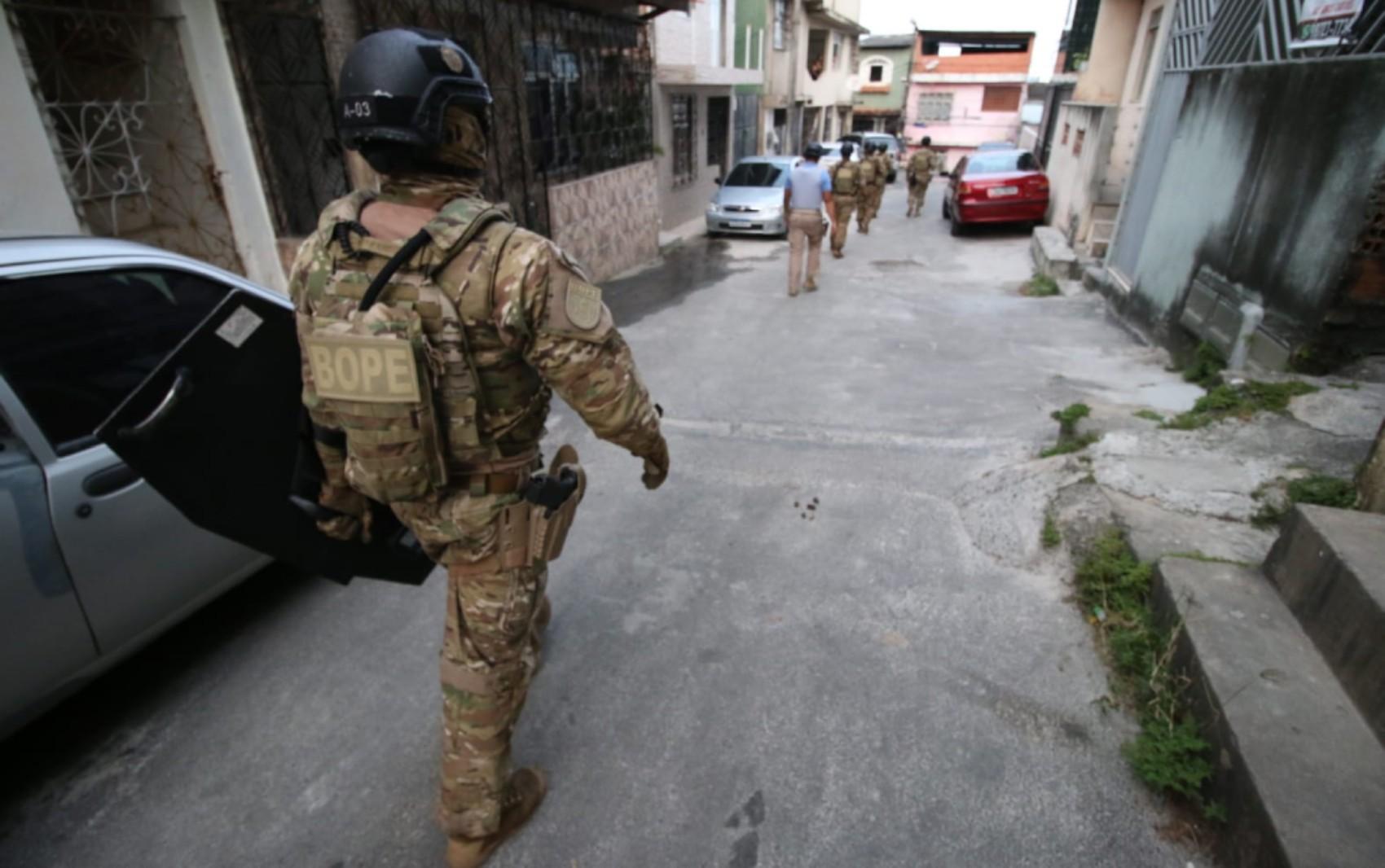 Suspeitos invadem casa e fazem morador refém no bairro de Cidade Nova, em Salvador