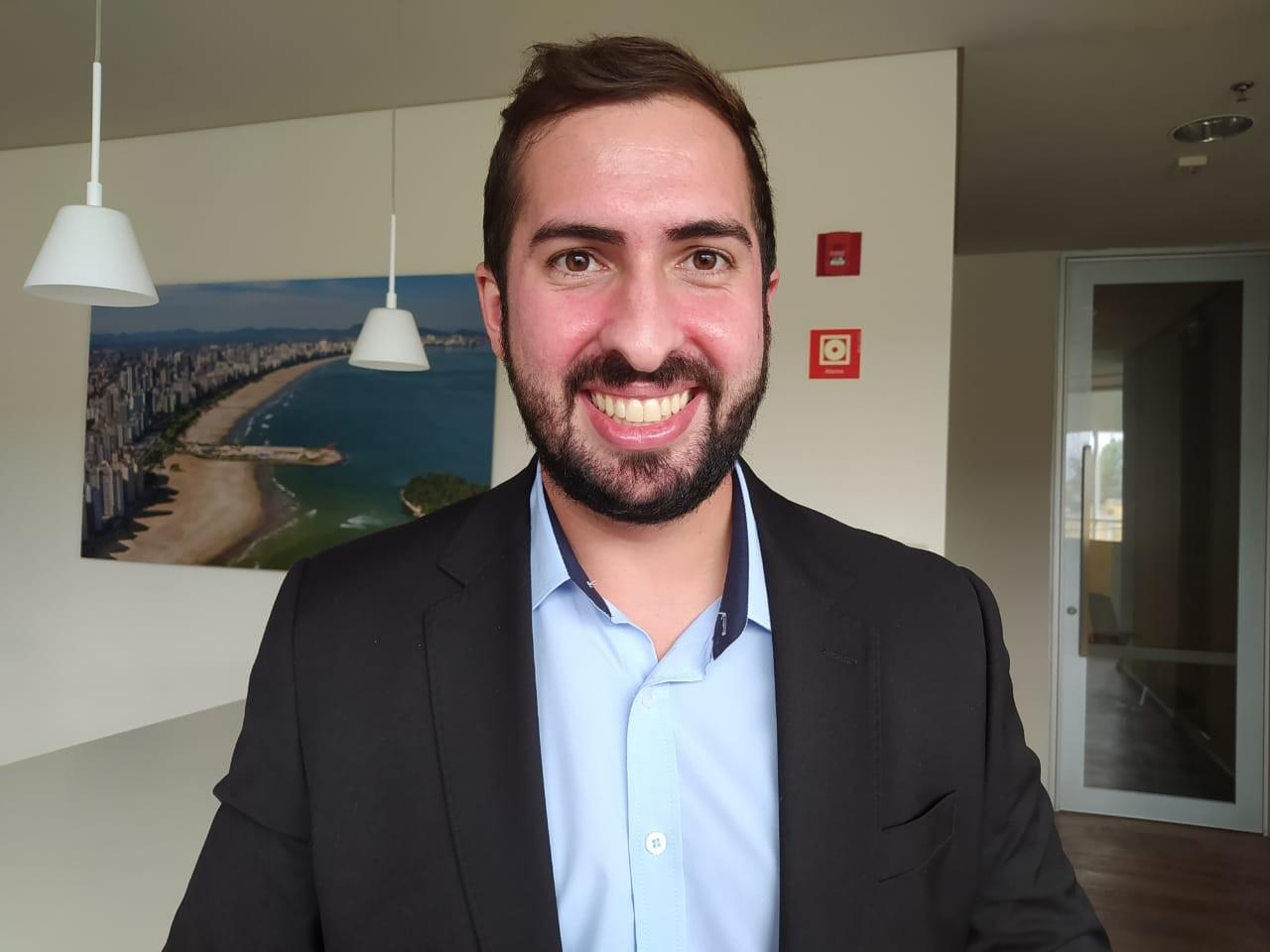 Kayo Amado desabafa sobre situação de São Vicente: 'São R$ 700 milhões em dívidas'