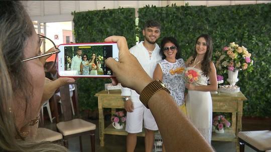 Casamento tem bloco de micareta, abadá e noivos 'foliões', em Campina Grande