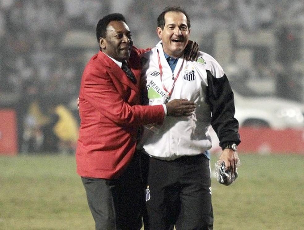 Muricy Ramalho e Pelé na conquista do Santos na Libertadores 2011 — Foto: Ag. Estado