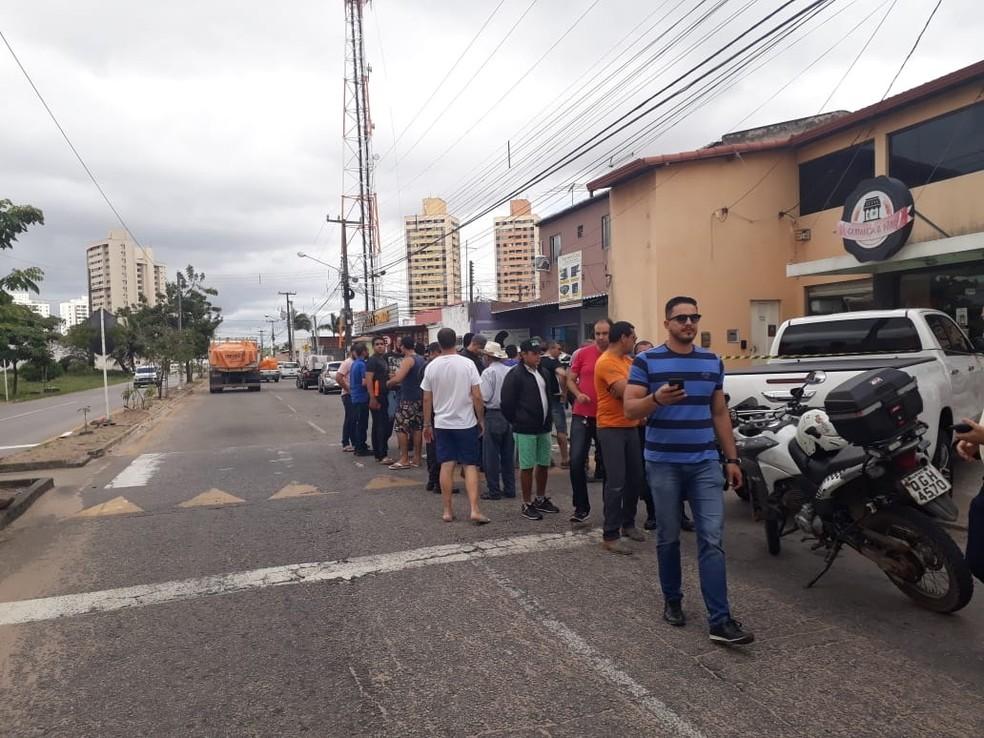 Crime aconteceu na frente de uma padaria na rua Oiti, em Cidade Satélite   (Foto: Marksuel Figueredo/Inter TV Cabugi)