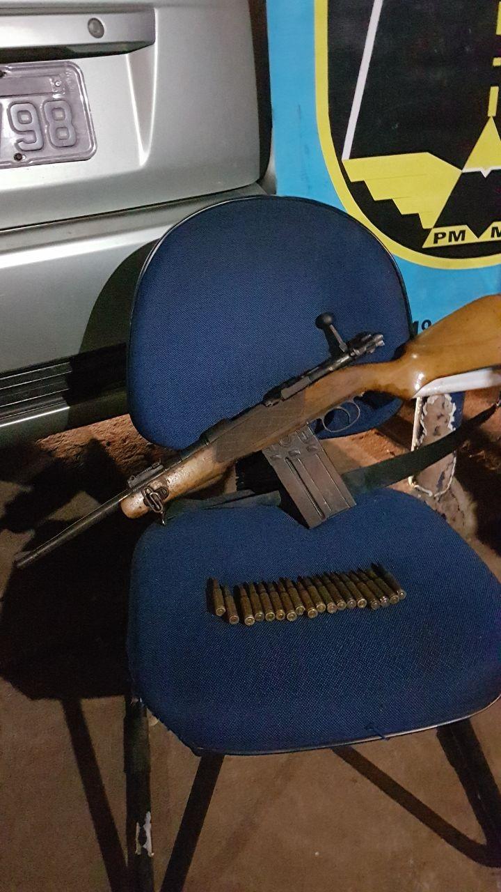 Casal é preso em MS com fuzil e maconha que seriam entregues em MG