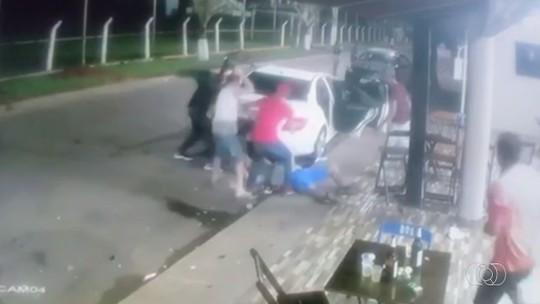 Morre homem espancado após ser filmado matando jovem em bar de Campo Limpo de Goiás