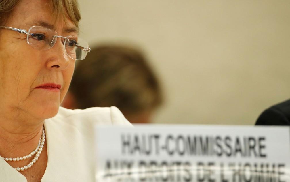 A Alta Comissária da ONU para os Direitos Humanos, a ex-presidente chilena Michelle Bachelet, denunciou o tratamento recebido pelas minorias em Mianmar e na China — Foto: Reuters/Denis Balibouse