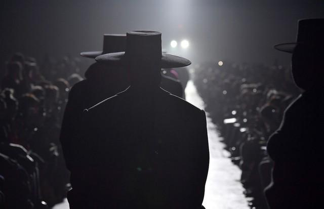 O desfile de inverno 2018 de Marc Jacobs na NYFW (Foto: Getty Images)
