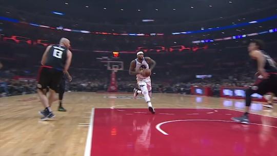 Cousins estreia, Curry e Durant brilham, e Warriors seguram Harris em vitória contra Clippers