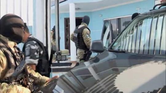Refém libertado de assalto depois de 4 horas é preso por posse ilegal de arma