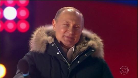 Vladimir Putin é reeleito presidente da Rússia e terá mandato até 2024