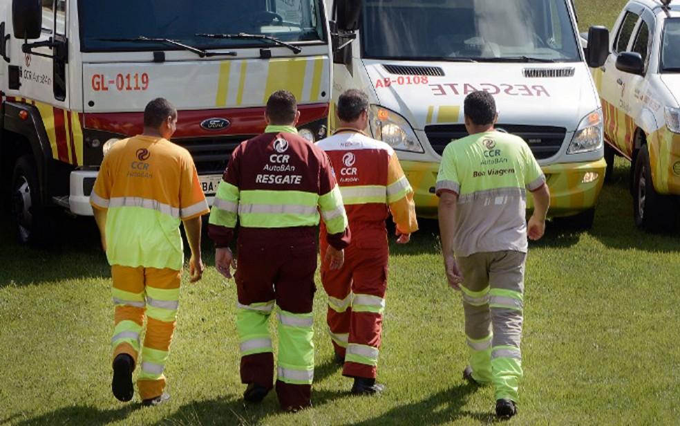Funcionários da concessionária AutoBan, que administra o sistema Anhanguera-Bandeirantes. (Foto: Clóvis Ferreira/CCR AutoBan/Divulgação)