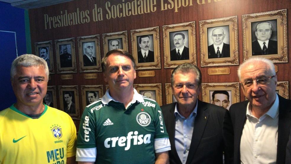 Major Olímpio, Bolsonaro e empresários no clube do Palmeiras — Foto: Major Olímpio/Divulgação