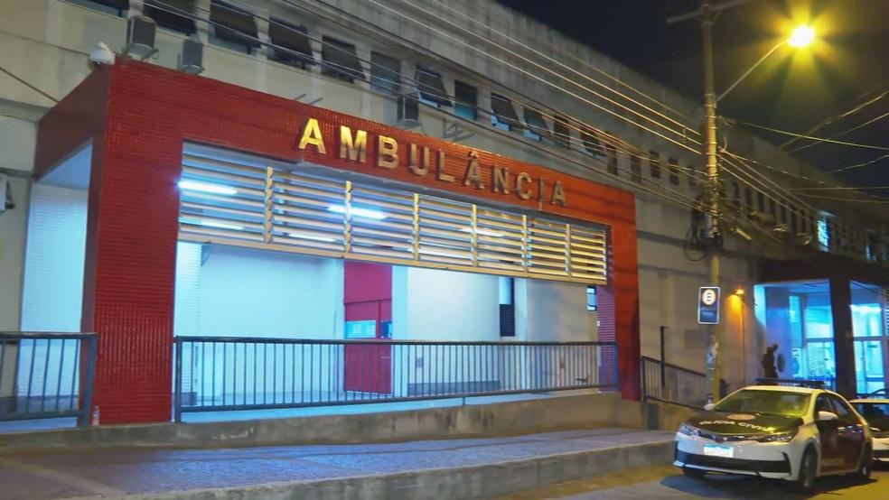 Hospital Getúlio Vargas, para onde os feridos por um atirador em Vigário Geral foram levados — Foto: Reprodução/ TV Globo