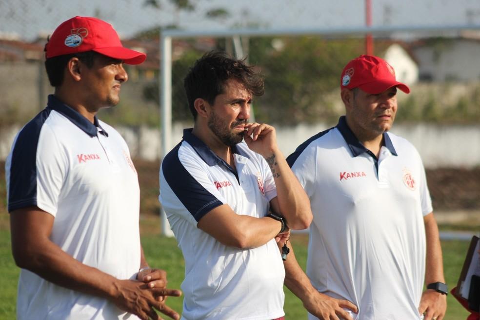 Luizinho Lopes trabalha silenciosamente no América-RN — Foto: Canindé Pereira/América FC