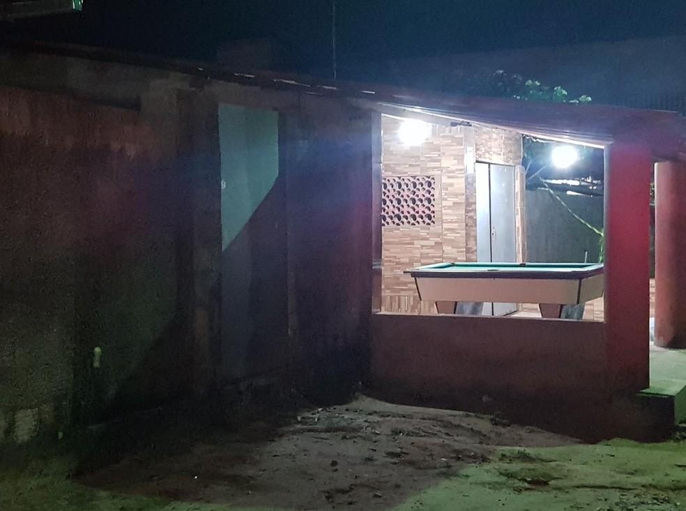 O crime aconteceu na localidade de Oiticica, no município de Aquiraz — Foto: Rafaela Duarte/SVM