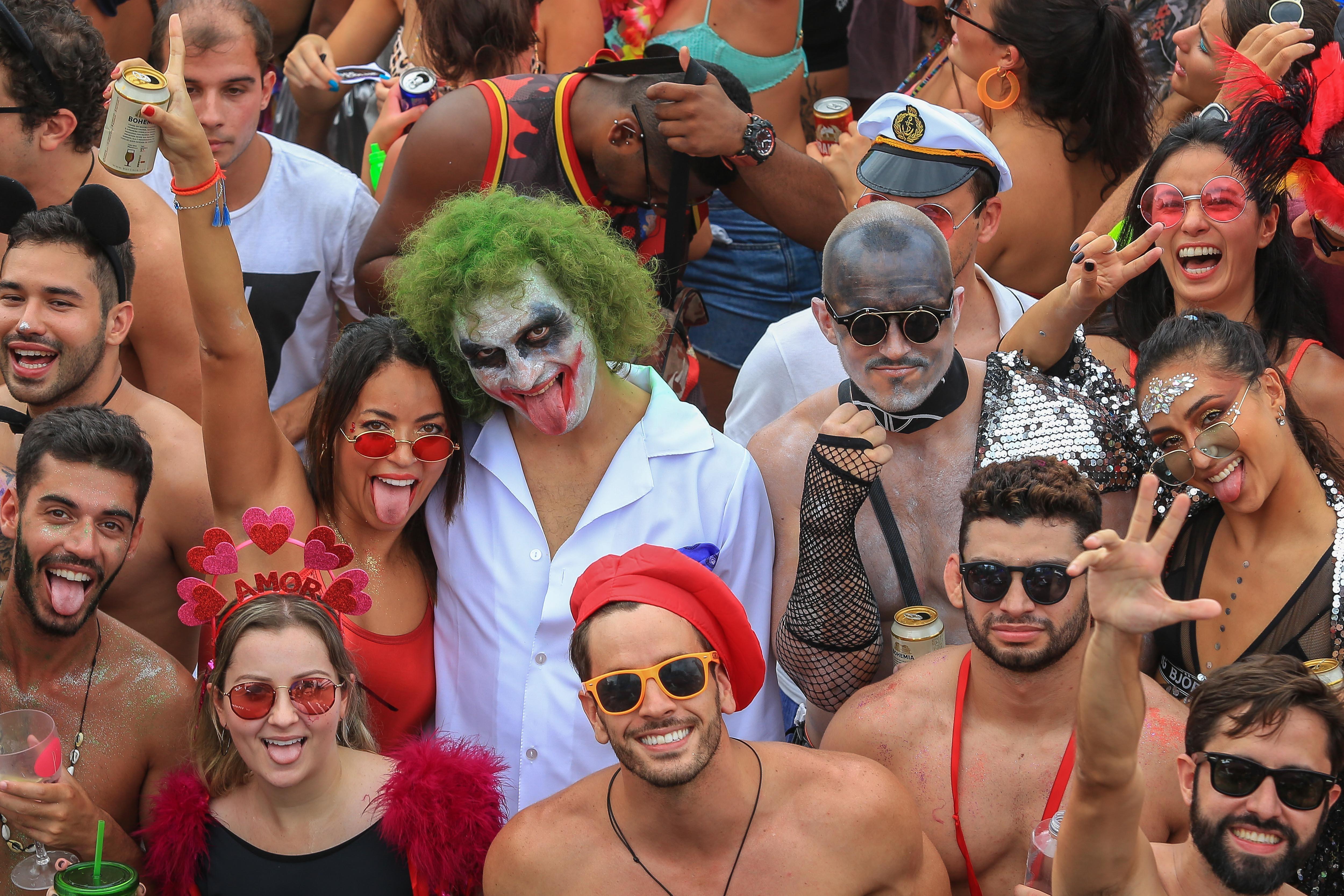SIGA: Blocos reúnem 1,3 milhão de pessoas no Rio