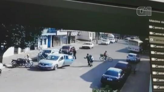 Câmeras de segurança registram tentativa de ataque a banco com troca de tiros em São Nicolau