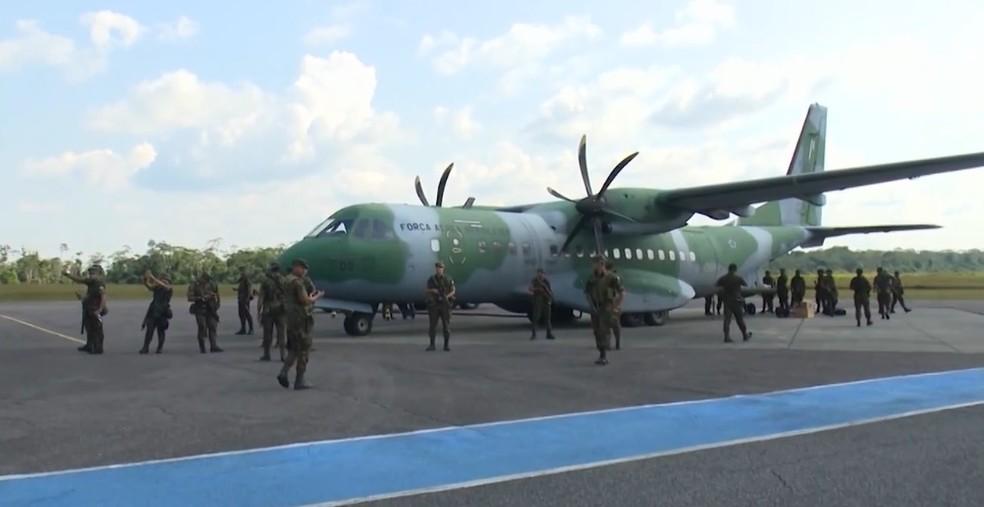 Militares chegaram ao estado vizinho nesta quinta-feira (5) — Foto: Reprodução/Rede Amazônica Acre