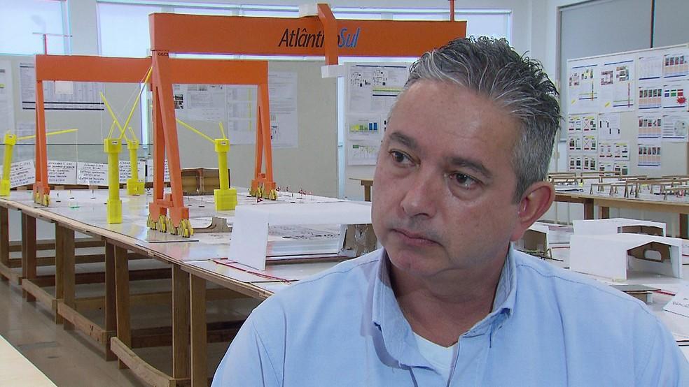 Segundo o presidente do Estaleiro Atlântico Sul, Harro Burmann, a reoneração deixa a mão de obra 20% mais cara (Foto: Reprodução/TV Globo)