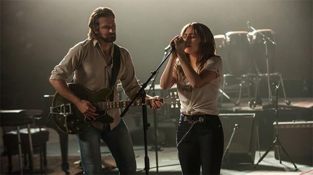 Bradley Cooper e Lady Gaga em cena de 'Nasce uma Estrela' (Foto: Reprodução / Site Oficial Warner Bros)
