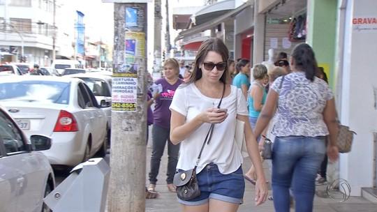 Maiores cidades de MS tiveram problemas com internet e celular neste sábado
