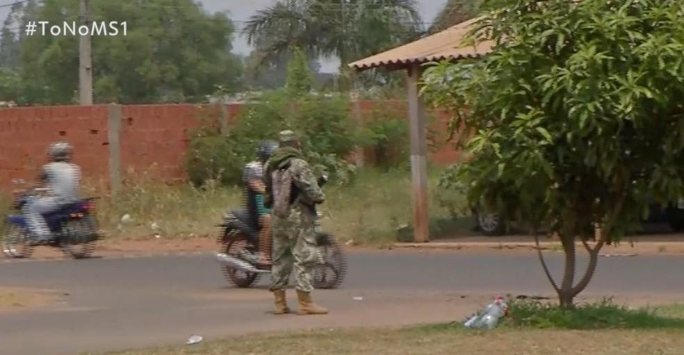Exército paraguaio na fronteira com MS   Foto: TV Morena