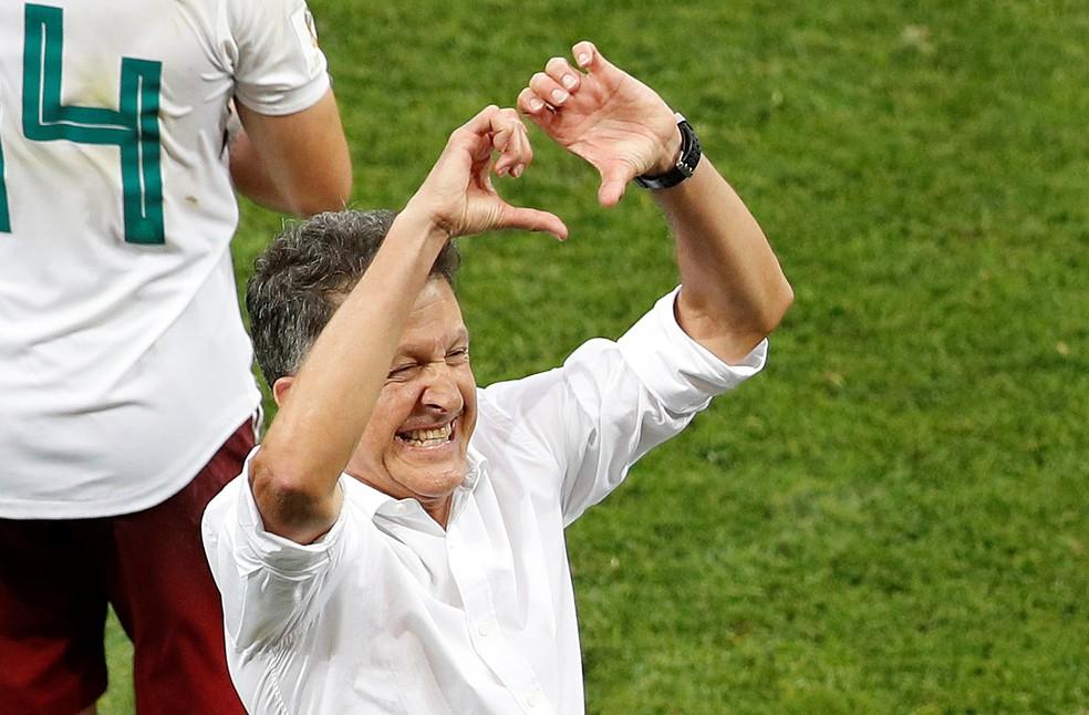 Osorio em comemoração após vitória sobre a Coreia: técnico elogiou a Suécia, próxima adversária (Foto: Reuters)