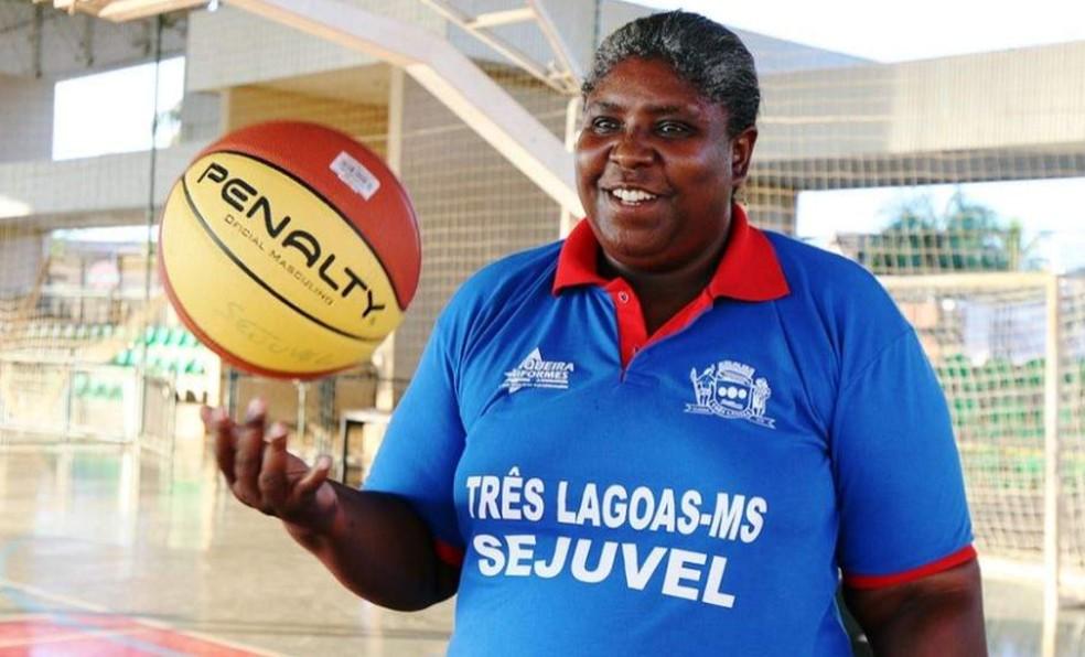 Ex-jogadora, Ruth de Souza era técnica de basquete em Três Lagoas — Foto: Divulgação