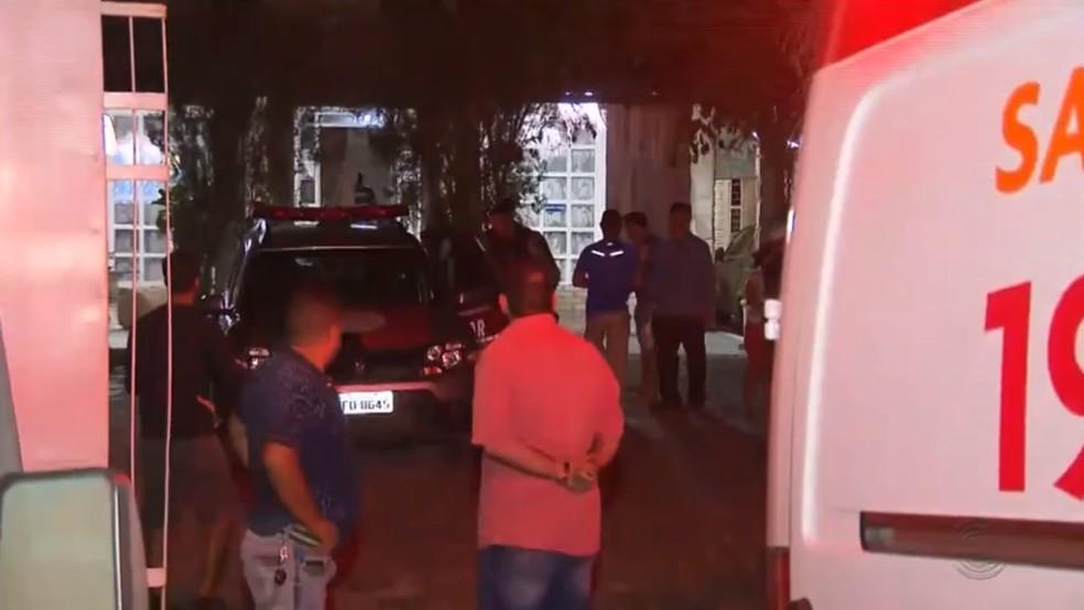 Suspeito de assalto morreu após reação de vítima, em Campina Grande — Foto: Reprodução/TV Paraíba